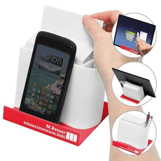 Smartphone-/Tabletständer mit Zettelspeicher